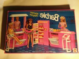 1992 * BARBIE KITCHEN PLAYSET * NIB # 7472 Never Opened