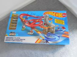 Hot Wheels Auto Lift Expressway Track Set with 10 Hot Wheels