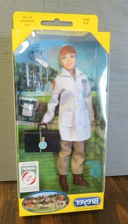 Breyer Posable Traditional doll   #522 Veterinarian Laura Ne