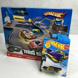 Hot Wheels Crash Curve Play Track Car Mattel NEW Extra Car X