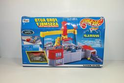 Hot Wheels Ford Auto Assembly Play set New