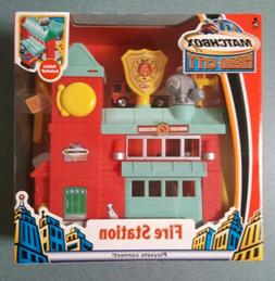 Matchbox Hero City 2004 Fire Station with Fire Truck Vehicle
