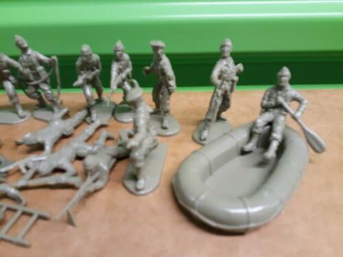 Matchbox Commandos Troops Set
