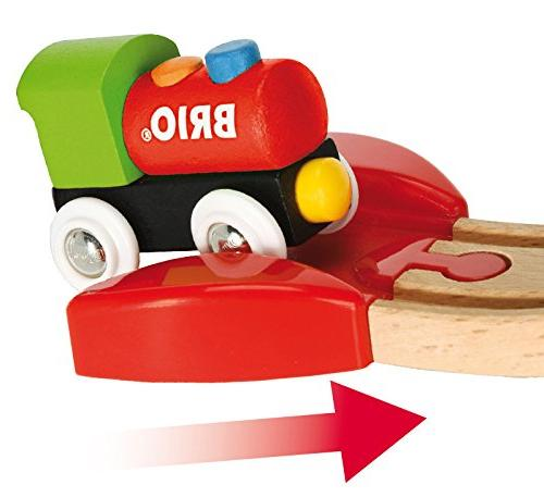 Brio My Beginner Pack Wooden Train Set with Wood and with all Wooden Railway