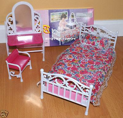 GLORIA FURNITURE Size BEAUTY BEDROOM W/ MIRROR PILLOW PLAY S