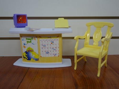 gloria Classroom Play Set