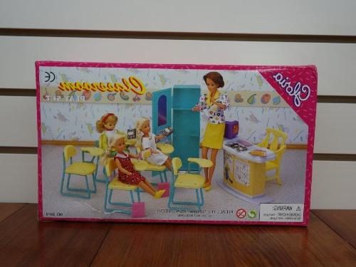 gloria Dollhouse Classroom Play