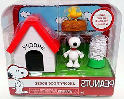 peanuts snoopys dog house w woodstock 2015