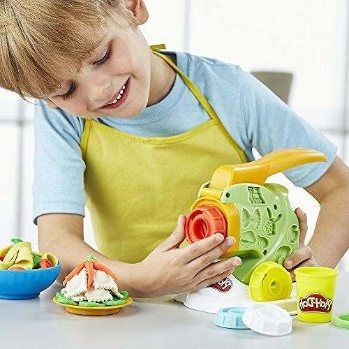 Play-Doh Noodle Pasta Makin Chef Mania Fun NEW