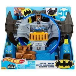 New DC Comics Hot Wheels BATMAN Batcave Playset Batmobile &