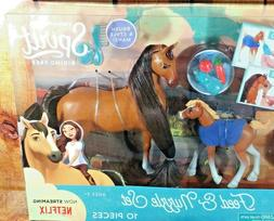 New  Spirit Riding Free, Feed and Nuzzle Set with Baby Foal