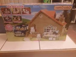 NIB CALICO CRITTERS Gift Set LAKESIDE LODGE Bonus VAN 7Seate