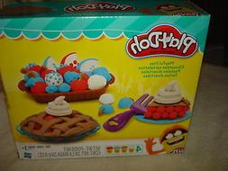 PLAY-DOH PLAYFUL PIES  11 Pc. MODELING SET  AGES 3+: NEW IN