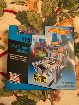 HOT WHEELS POWER LIFT GARAGE PLAYSET WITH ONE CAR NEW IN BOX