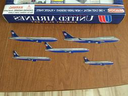 Real Toy United Airlines Airport Play Set Diecast Plane Mode