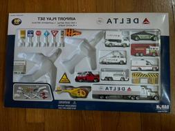 Daron/Realtoy Delta Airport Playset VEHICLES ONLY